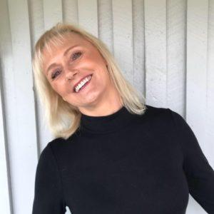 Trine Cecilie Røiseland, Trine Cecilie Røiseland, offentlig godkjent sykepleier med videreutdannelse i kosmetisk dermatologisk sykepleie.